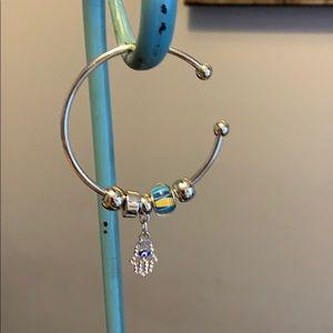 🎟🎟NWOT Charm Bracelet 🎟🎟